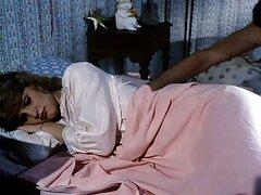 نگرو چوبی را در دانلود فیلم سینمایی سکسی رایگان بیدمشک یک زیبایی هندی انداخت