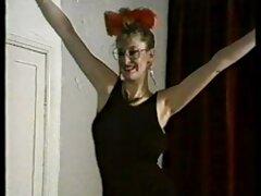 برهنگی عمومی یک دختر زیبا در دانلود فیلم پورن سینمایی مرکز شهر