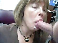 یک مرد کچل یک بور سینمایی کمدی سکسی زیبا را برای رابطه جنسی انداخت