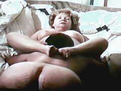 به یک باره خودارضایی دانلود فیلم سینمایی پورن می کند