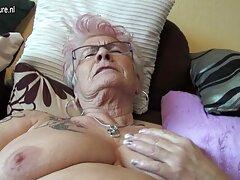 زن جوان بیدمشک سوار واژن تراشیده شده روی خروس می دانلود سینمایی سکسی شود