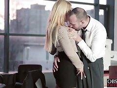 جوجه بلوند با لمس کلیت دانلود فیلم سینمایی سکسی جدید حسی خود را به ارگاسم می رساند