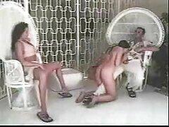 توریست شدید برهنه مردم دانلود فیلم سینمایی سکسی خانوادگی را با برهنگی خود خشنود می کند