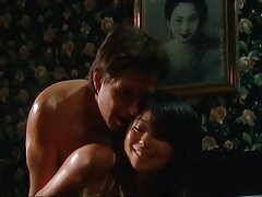 بدن برهنه سکسی نشان دهنده فیلم سینمایی پورن با زیرنویس فارسی بدن