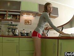 دختر بد لنا فالوس POV دانلود فیلم سینمای سکسی داستانی را می مکد