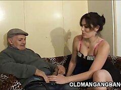 آلینا با یک فیلم سینمایی سکسی اچ دی قفسه سینه صاف از پس بازی خوبی برخوردار است